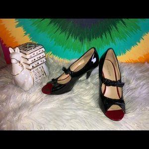 Women's Nine West black leather heels size 6